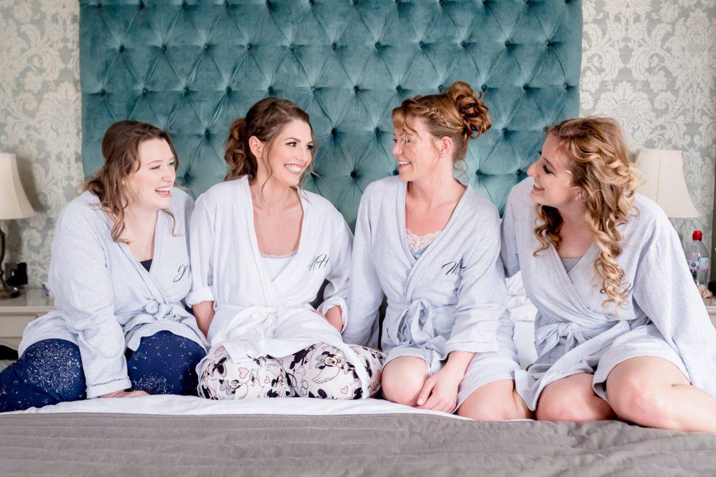 bride-bridesmaids-laughing