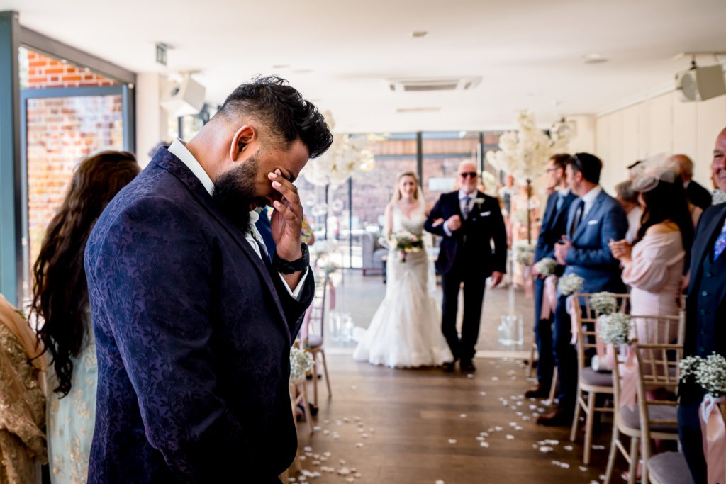 bride-groom-wedding-photo