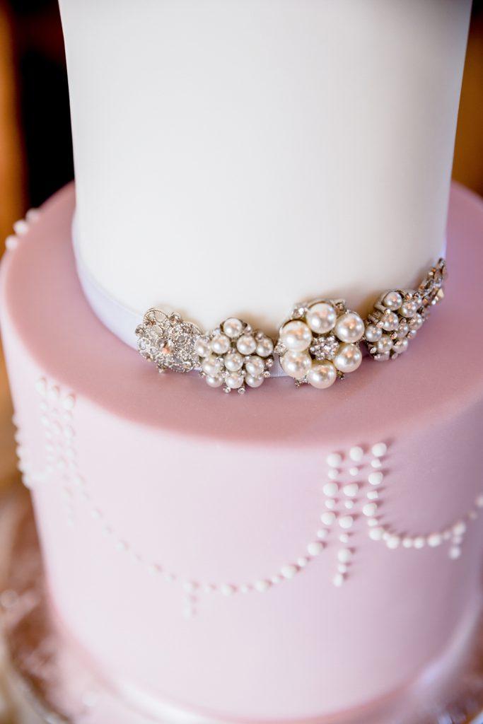 elegant-wedding-cake