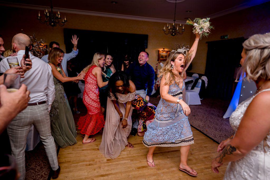 fun-wedding-photo