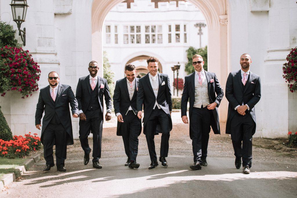 groom-groomsmen-wedding-photo